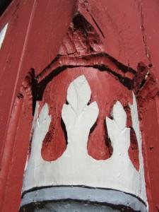 Das Foto zeigt eine Schnitzerei an einem Fachwerkhaus in Ziegenhain. Wenn Sie wissen möchten, an welchem Haus, dann kommen Sie doch am 14.05. zur Fachwerkführung